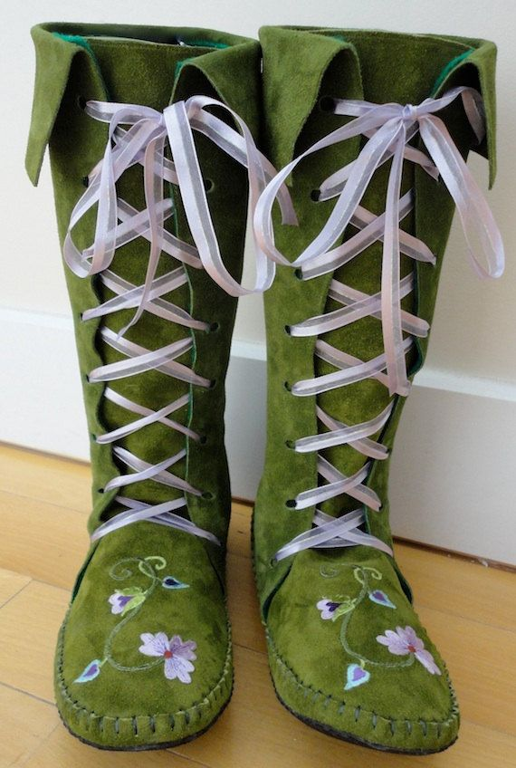 Earthgarden @ etsy -  Fairytale knee high Boots in Moss green with rubber soles, felt lining and flowers - More moccasin style, but I love them!
