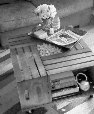 ecco come creare un tavolino con quattro cassette di frutta