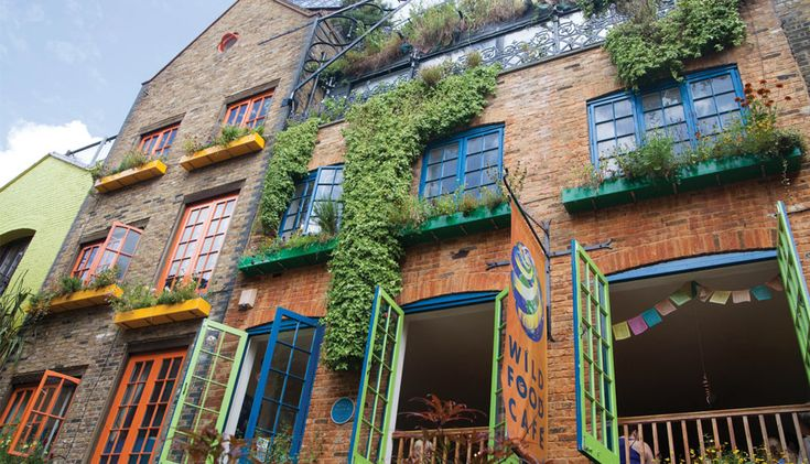 Wild Food Cafe: Super healthy raw and vegan cafe in picturesque Neal's Yard, Covent Garden.