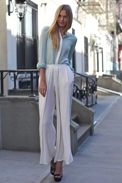 like thisWide Legs Pants, Fashion, Mint Green, Summer Looks, Palazzo Pants, Cut Shirts, Street Style, White Pants, Spring Style