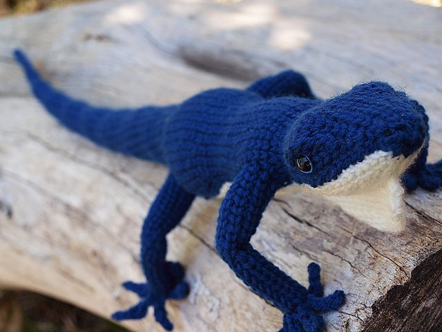 Amigurumi Blue Lizard ~ Free Pattern ~ PDF Download Choose: (Blue lizard ENG US .pdf) It used a Special Stitch: The leg-single crochet (l-sc) results in a knit-look when worked in continuous rounds