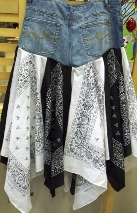 blue jean bandana skirt in tuxedo print black and white bandanas