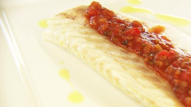 Zeebaars met provençaalse saus - Recept | VTM Koken