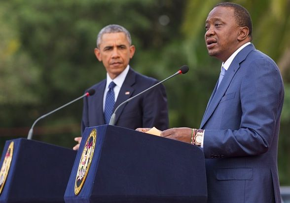 U.S. President Barack Obama, left, and his Kenyan counterpart Uhuru Kenyatta give a joint press conference after their talks at the State House in Nairobi on July 25, 2015 / gay issues in Kenya