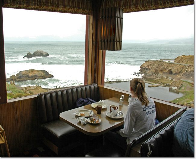 Louis' restaurant in San Francisco--ate a great lunch here, and it's right next to where I first saw the ocean, sigh!