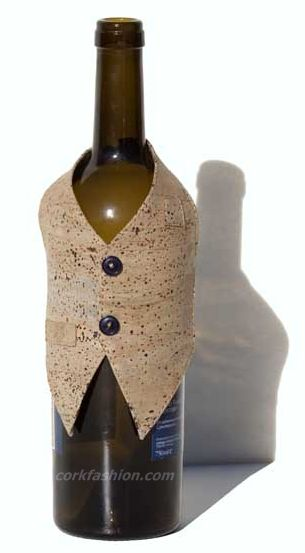 Vest for bottles (model RC-GL0703008041) - Eco-friendly - made of real cork. From www.corkfashion.com