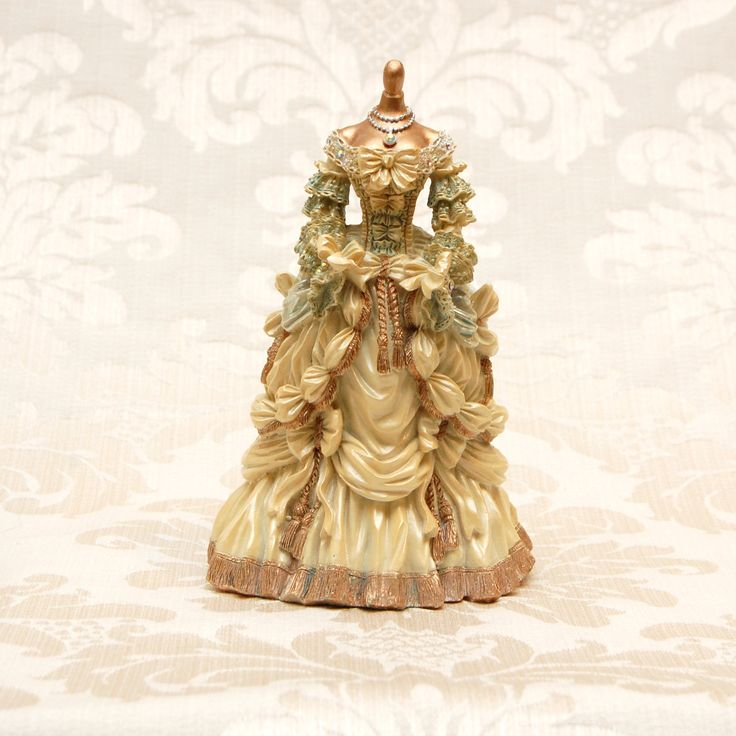 Marie Antoinette figurine - Personal favourite of mine - available at www.therubyoracle.com.au