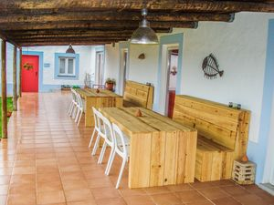 Tables and benches for Cerca do Sul