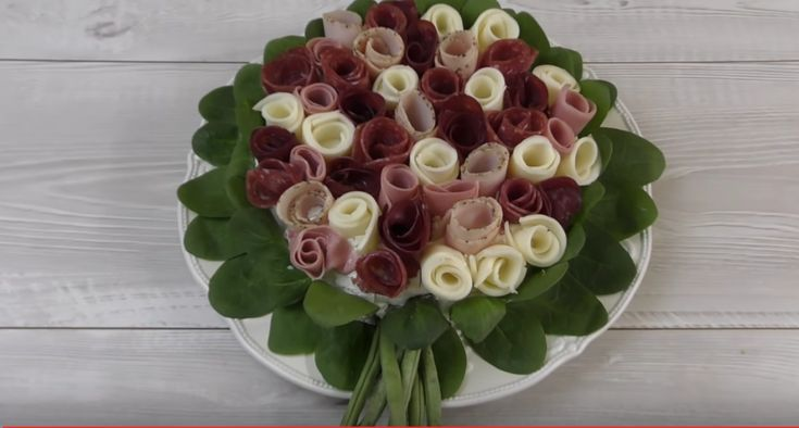 Torta salata bouquet di fiori, semplice da preparare (guarda il video tutorial)
