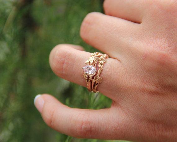Maple Leaf Wedding Set Yellow Gold with Quarter Carat Diamond