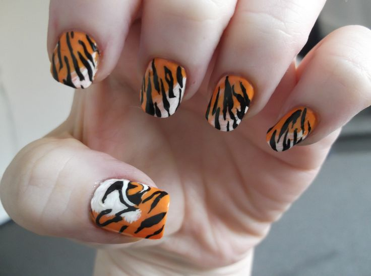 """Tiger Tiger - using Jessie's Girl """"Crush"""" and acrylics"""