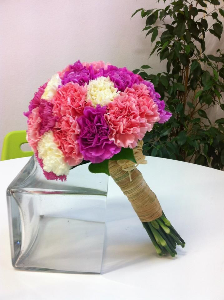 Ramo de novia - bouquet - boda - claveles - rosa, blanco, fucsia - www.quedeflores.com