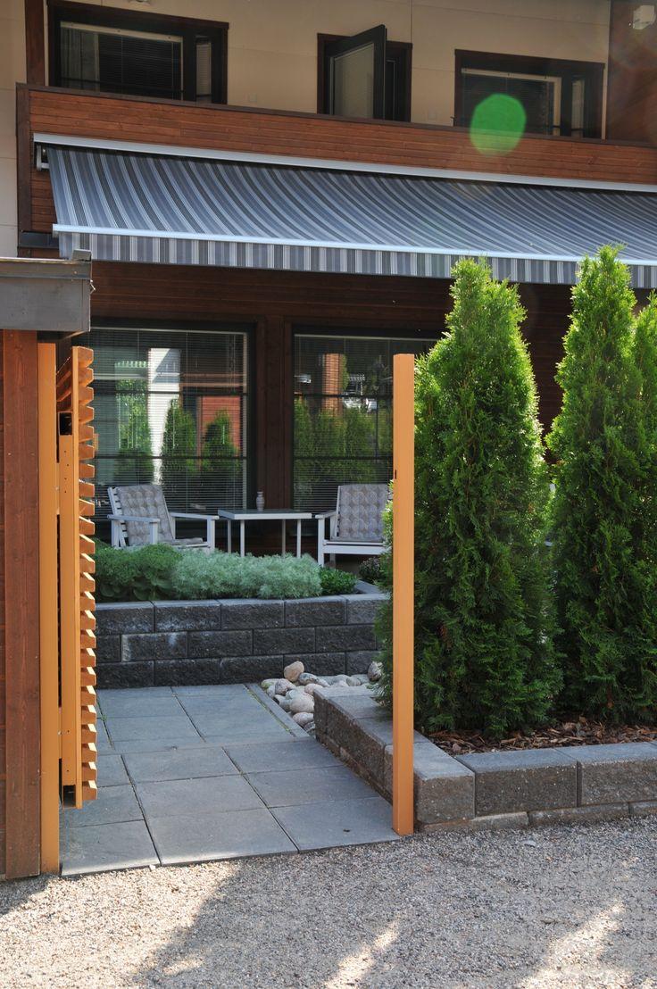 Rivitalopiha ilman nurmikkoa | Puutarhasuunnittelu Puksipuu Garden without a lawn. Design Puksipuu by Sari Lampinen http://www.puksipuu.com/project/825/