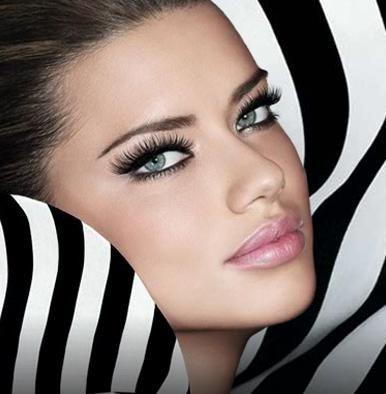 Maquillaje para ojos claros: Sexy Makeup, Adriana Lima, Sexy Eye Makeup, Beautiful, Black White, Victoria Secret, Makeup Looks, Weights Loss Secret, Wedding Makeup