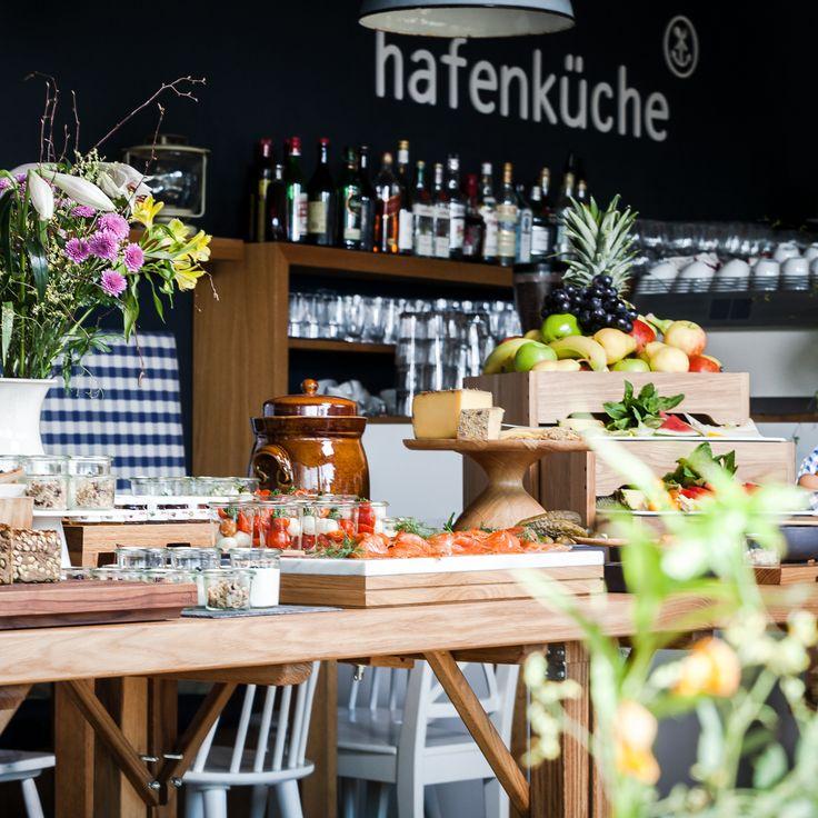 Im Restaurant Hafenküche in der City Marina an der Rummelsburger Bucht gibt es wunderbar zubereitete Klassiker der deutschen Küche direkt am Wasser.