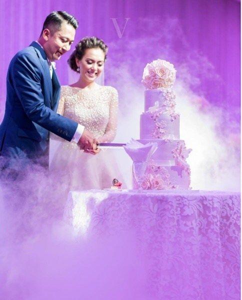 (20 GAMBAR)Sekitar Majlis Perkahwinan Siti Saleha & Ahmad Lutfi  Sama cantik sama padan. Bak pinang dibelah dua sungguh pasangan pengantin baru Siti Saleha dan Ahmad Lutfi ini. Suka Abang Nara tengok mereka berdua. Jelas terbayang kegembiraan dan kebahagiaan di wajah mereka selepas selamat diijabkabulkan. Semoga perkahwinan ini akan berkekalan ke akhir hayat.  Lagi beberapa gambar sekitar majlis perkahwinan Siti Saleha dan Ahmad Lutfi dengan membaca artikel ini sepenuhnya. Kredit Instagram…