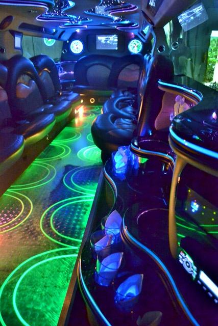 Range Rover Limo!!!! Wedding SUV, Wedding Limo, Wedding Transportation