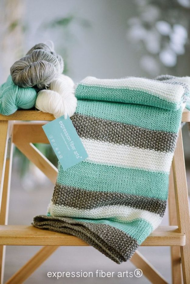 38 Easy Knitting Ideas -Knitted Baby Blanket-  DIY Knitting Ideas For Beginners, Cute Kinitting Projects, Knitting Ideas And Patterns, Easy Knitting Crafts, Gifts You Can Knit, Knitted Decors http://diyjoy.com/easy-knitting-ideas