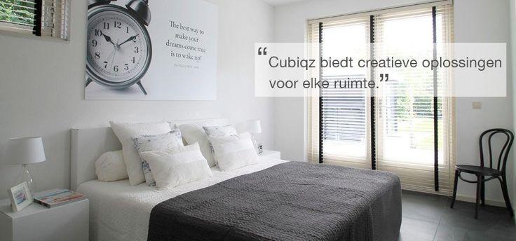 Slaapkamer tbv verkoopstyling ingericht met veelal kartonnen meubelen (Cubiqz)