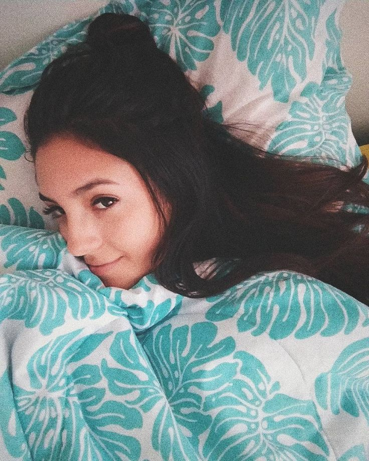 "58 Me gusta, 1 comentarios - 💥N A T H A L I A B O T E R O💥 (@nathbotero) en Instagram: ""🐼 • W e e k e n d • 🐼 #sleep #weekendvibes"""