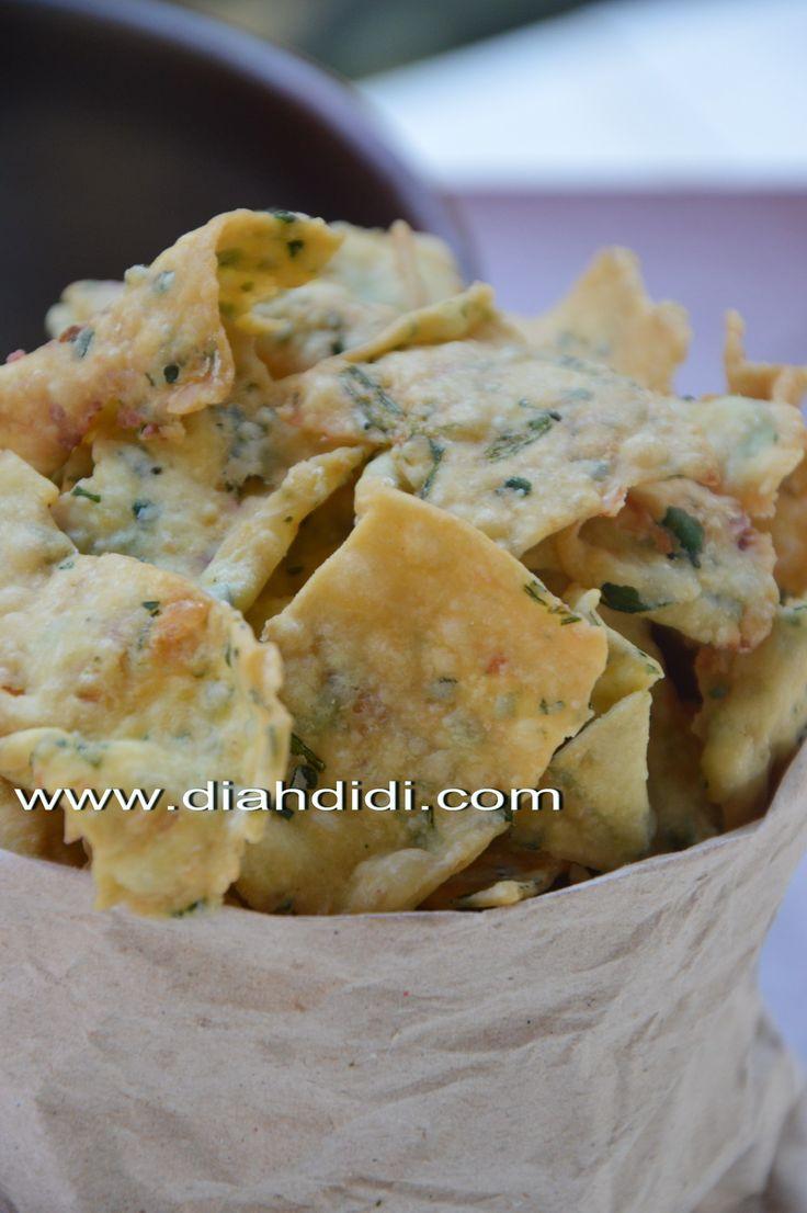 Diah Didi's Kitchen: Resep Kue Bawang Gurih dan Renyah..^^