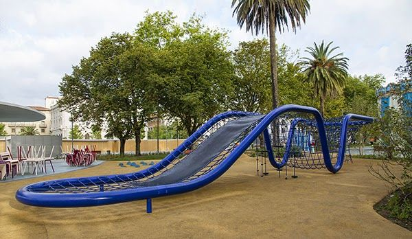 Zona de juegos en los Jardines de Pereda / Pereda Garden Playground - Archkids. Arquitectura para niños. Architecture for kids. Architecture for children.