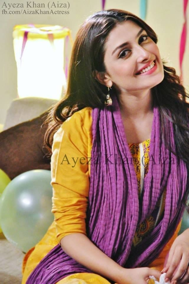 Simply beautiful Pakistani actress Ayeza Khan