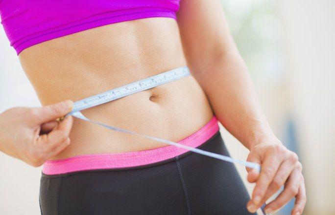 Die große 4-Wochen-Bauch-weg-Challenge - Der Bauch ist zu dick, die Speckpölsterchen lugen schon über den Hosenbund hinaus ... Schluss mit dem Selbstmitleid! Ändert lieber was daran und stellt euch der großen Bauch-weg-Challenge...
