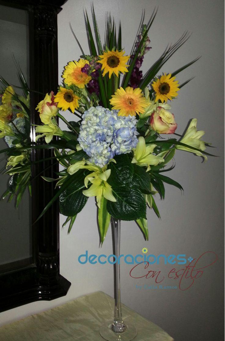 Arreglo con mini girasoles y hortensias flores - Decoracion de jarrones con flores artificiales ...