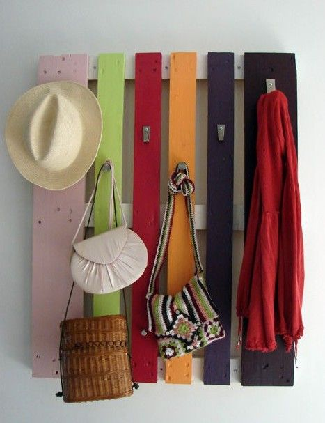 Great idea for a mud room.   Need a coat rack? on The Owner-Builder Network  http://theownerbuildernetwork.com.au/wp-content/blogs.dir/1/files/pallets/Pallet-coat-rack.jpg