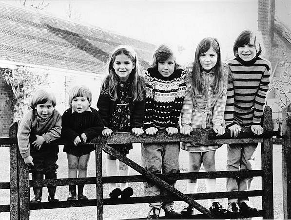 Ralph Fiennes with his brothers and sisters