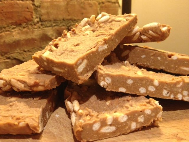 Peanut Butter Protein Energy Bars  (make your own macrobar)