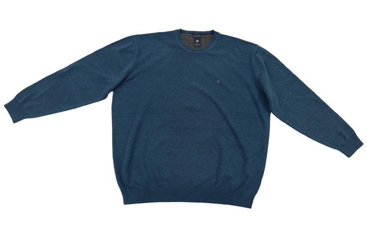 Sweter Pierre Cardin w granatowym kolorze. Sweter można nosić do koszulki polo bądź swetra. Skład:100% bawełna.