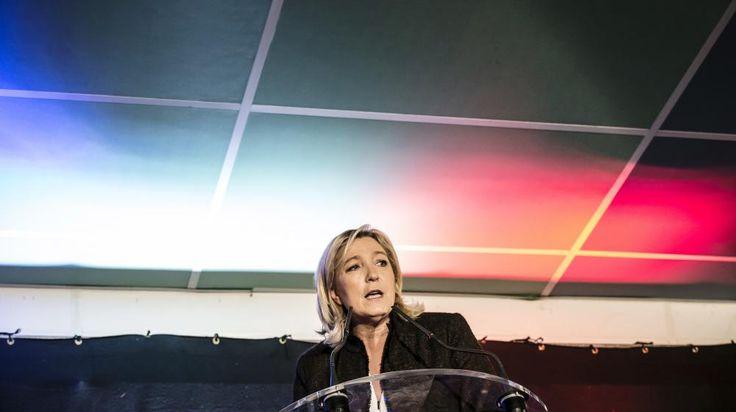 France. Marine Le Pen prononce un discours lors d'un rassemblement consacré aux élections départementales à LaRoche-sur-Foron (Haute-Savoie),le 7 février 2015.   JEAN-PHILIPPE KSIAZEK / AFP