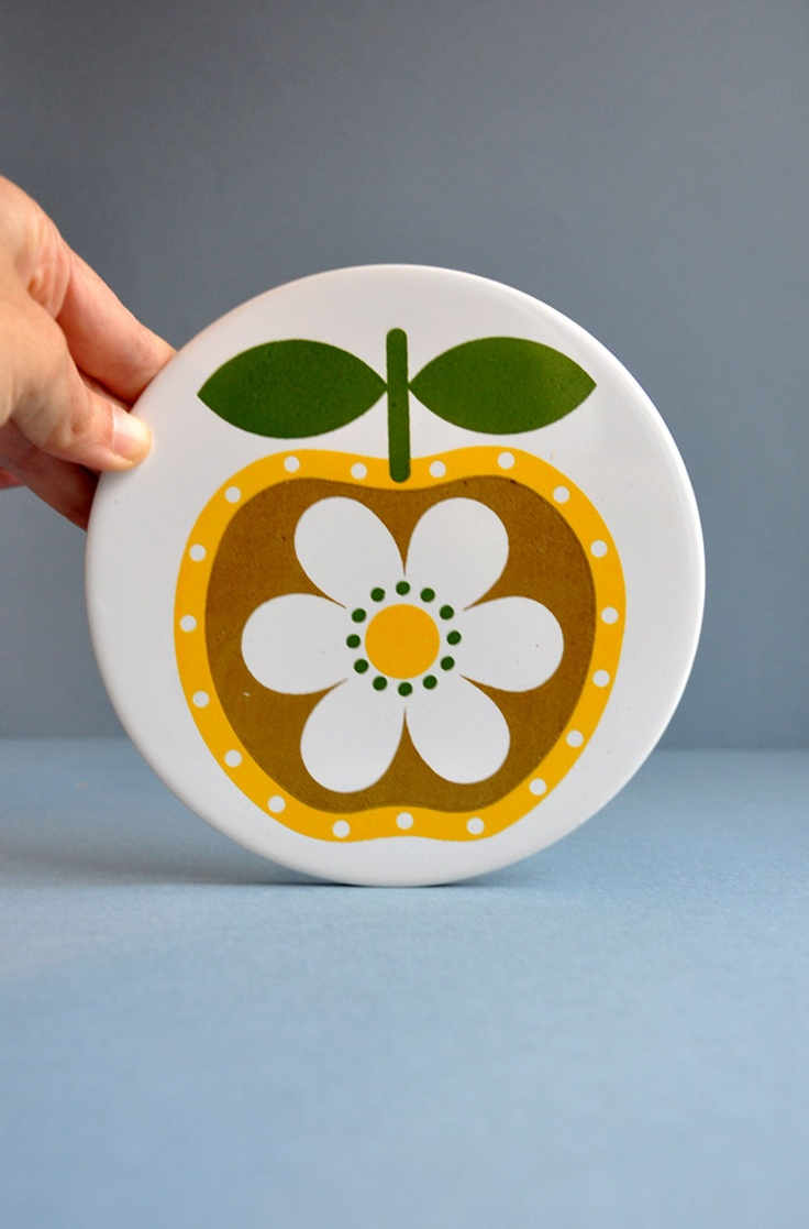 Mod Apple / Flower Trivet ~ Mister True & Blackjack too