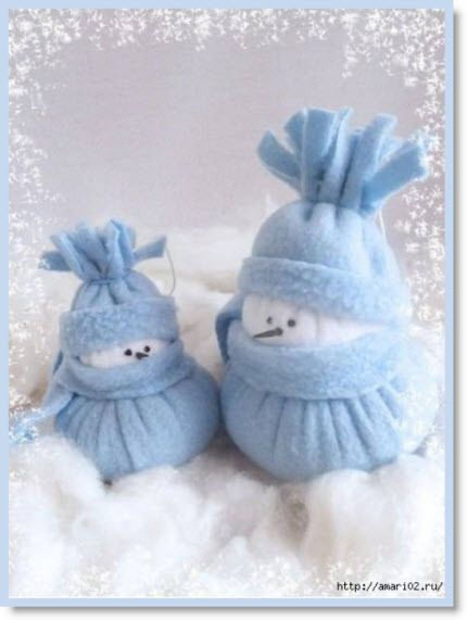 Make Felt Snowman ♥ http://felting.craftgossip.com/2013/11/30/how-to-make-felt-snowman-christmas-holiday-home-decor/