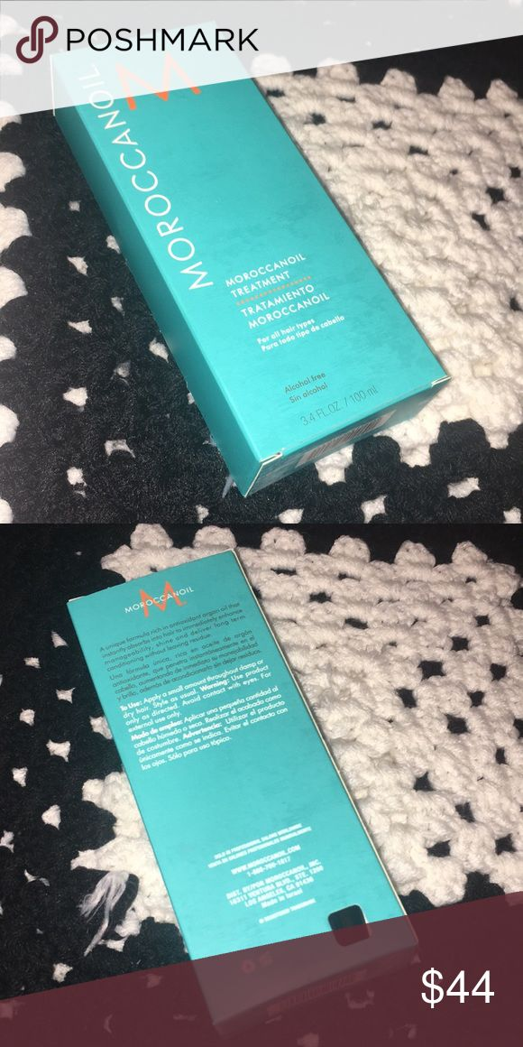 Moroccan Oil Treatment Which hair type is it good for?  ✔ Straight  ✔ Wavy  ✔ Curly  ✔ Coiled  ✔ Tightly Coiled   What it is:  A versatile, argan oil-infused hair styler in a light formulation that can be used for conditioning, styling, and finishing.   Key Benefits:  - Detangles, speeds up blow-drying time, and boosts shine  - Improves manageability and controls frizz and flyaways  - Infused with antioxidant-rich argan oil and vitamin-rich linseed (flax) seed extract to help strengthen…