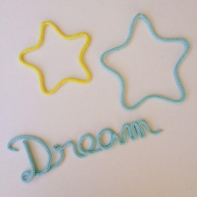 #dream and #stars en #tricotin #motenlaine #couleur #bleu #jade #jaune #soleil #instadeco #craft #faitmain #madeinfrance #decochambrebebe #knitting #laine #wool #coton #reve #etoile #douceur #deco #bebe #landes #baby #diy #goodnight