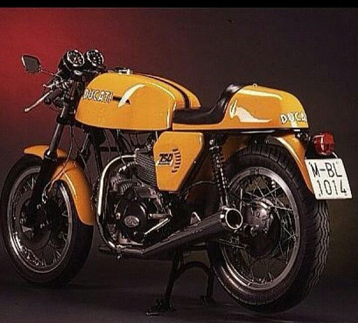 #xtr#xtrpepo #ducati#750#sport#restauration#peposlegacy #bike#bikeconstructor . PEPO'S LEGACY : My Ducati 750 Sport'73  restaured from rubish in 1992😍  via ✨ @padgram ✨(http://dl.padgram.com)