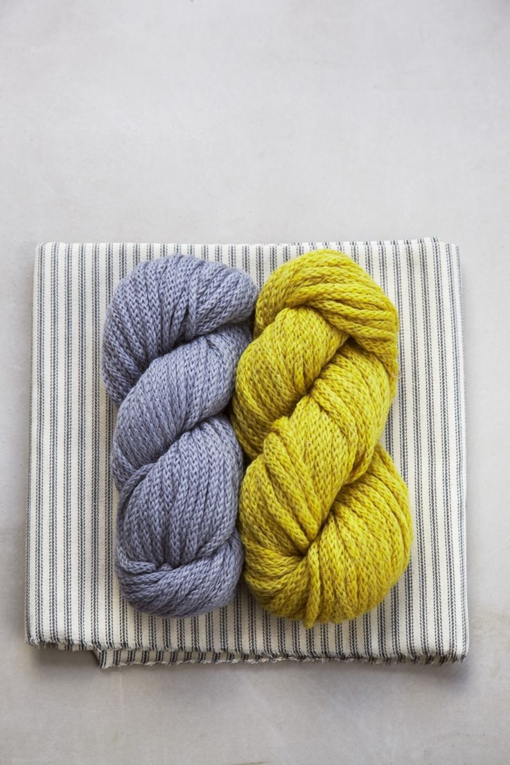 Debbie Bliss PALOMA is a super chunky beautiful chainette yarn, which creates supersoft, lightweight knits. Alpaca / wool