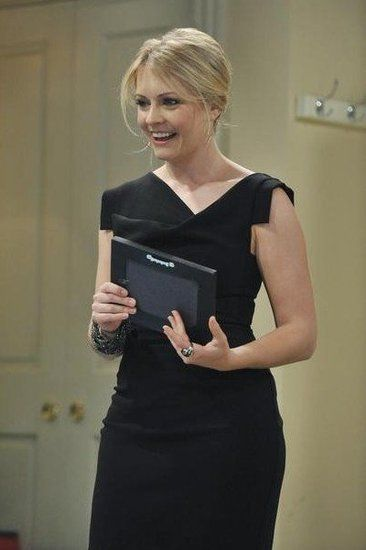 "In the ABC Family comedy Melissa & Joey, Mel Burke (Melissa Joan Hart) is a councilwoman who takes in her niece and nephew and hires Joe Longo (Joey Lawrence) as her ""manny."""