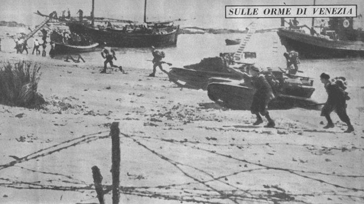 Maggio 1941 - Truppe italiane provenienti dal Dodecaneso sbarcano sulla costa nord-orientale dell'isola di Creta. La campagna di occupazione della Grecia da parte delle forze dell'Asse, venne porta... Pin by Paolo Marzioli