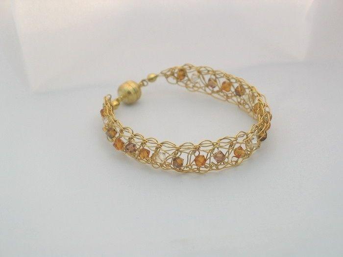 Vergoldetes Armband mit edlen Swarovski-Kristallen von la-filigrana auf DaWanda.com