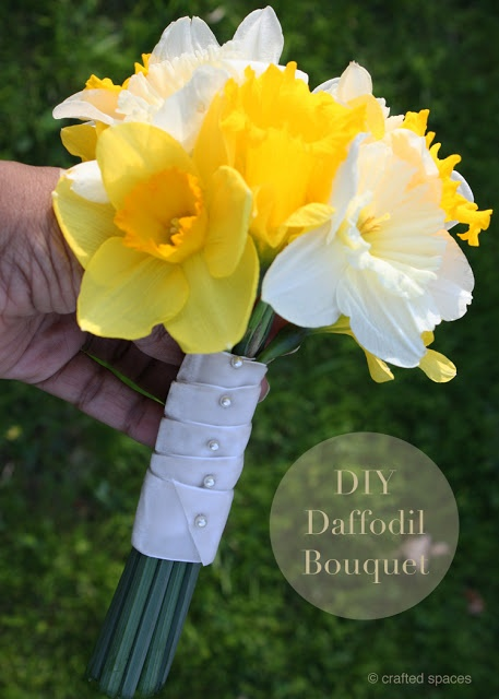 Crafted Spaces: DIY Daffodil Bouquet #wedding #bouquet