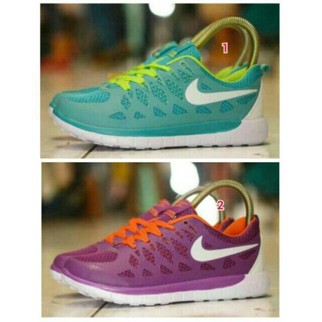 Saya menjual Sepatu NIKE Free 5.0 Women Ungu Perempuan Olahraga Lari Wanita Running Casual Jogging Sport Santai seharga Rp254.000. Dapatkan produk ini hanya di Shopee! https://shopee.co.id/sepatu_dan_jam_tangan/12282873 #ShopeeID