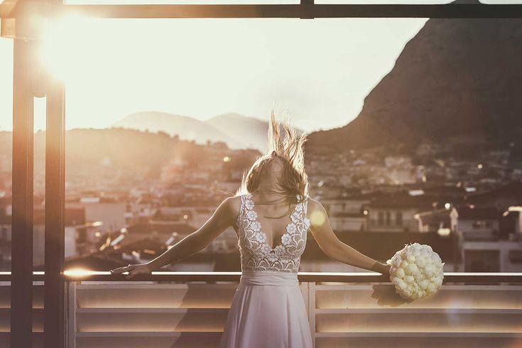 #bridalportrait #sunset #realwedding #stripes #bridalgown #costantinobrides