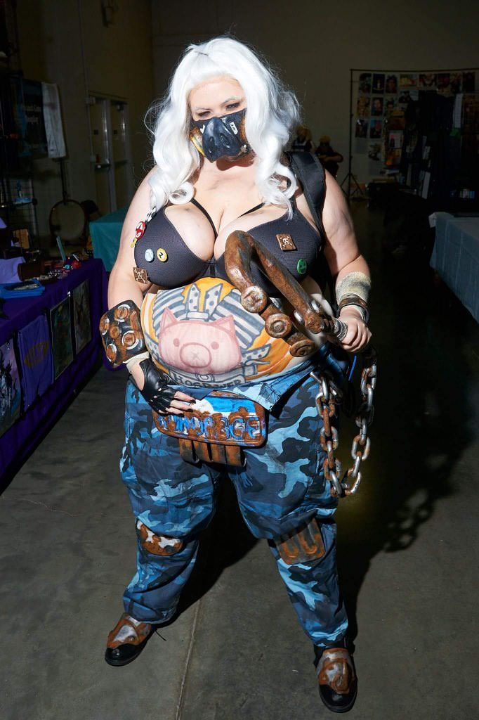 Female Roadhog Cosplay