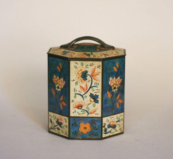 vintage decorative tin with lid by suesuegonzalas on Etsy