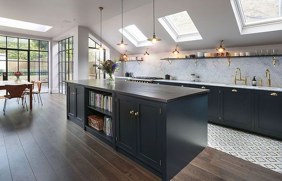 202 design was established in 2001 with the vision of creating fine bespoke kitchens, fitted cabinetry and furniture for private clients and design professional