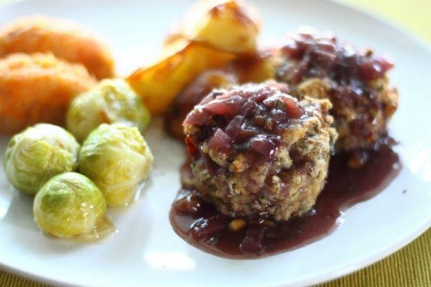 Individual Mediterranean Nut, Olive & Marinated Tofu Roasts with Caramelised Red Onion & Wine Reduction